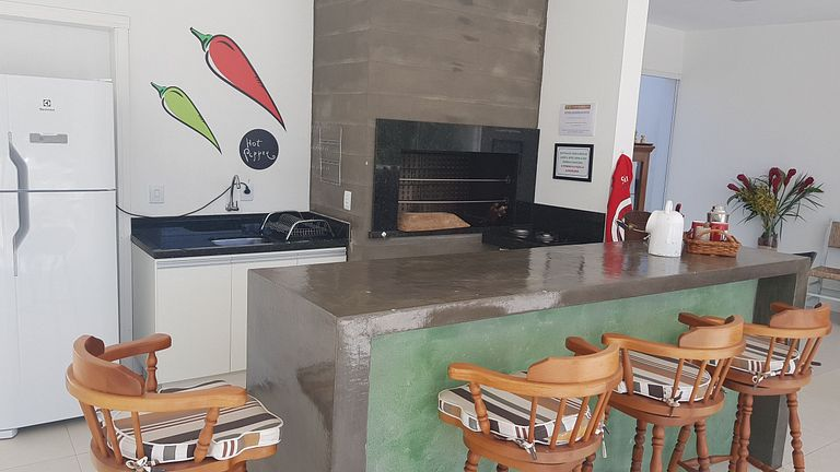 Apartamento térreo com patio privativo